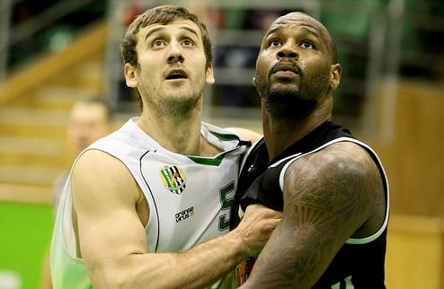 НБА. Дарнелл Джексон тренируется с Ютой