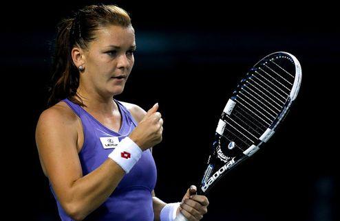 Токио (WTA). Очередной четвертьфинал Радваньской, волевая победа Возняцки