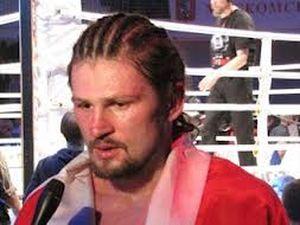 Российский боксер-священник проведет второй бой