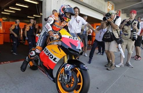 MotoGP. Гран-при Австралии. Стоунер выигрывает вторую практику