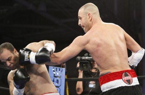 Боксер-инвалид одержал первую победу в профессиональной карьере