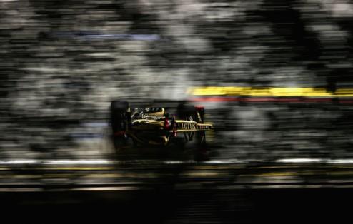 Формула-1. Гран-при Абу-Даби. Победа Райкконена, подиум Алонсо, прорыв Феттеля
