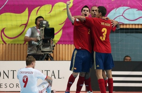 Футзал. Испания проходит Россию