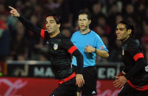 Атлетико обыграл Гранаду, Севилья победила в дерби