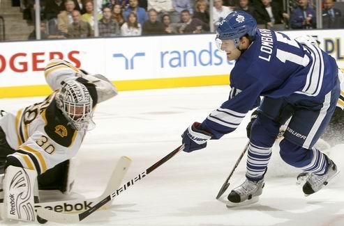 НХЛ. Торонто обменивает форварда в Финикс