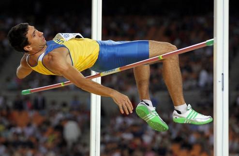 Легкая атлетика. ЧУ. 3-й день: зрелище на 800-метровке