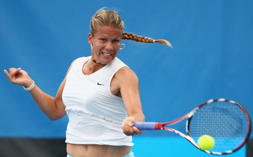 Флорианаполис (WTA). Провал Шведовой, успех Схееперс