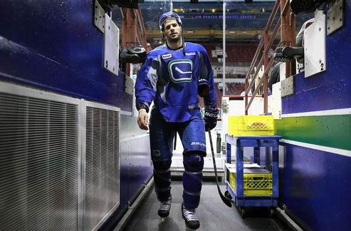 НХЛ. Ванкувер: у Кеслера перелом ноги