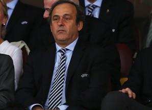 """Платини: """"Если Барселона вылетит, Лигу чемпионов может выиграть каждый"""""""