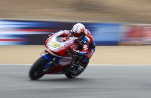 Порно-сайт решил спонсировать команду MotoGP