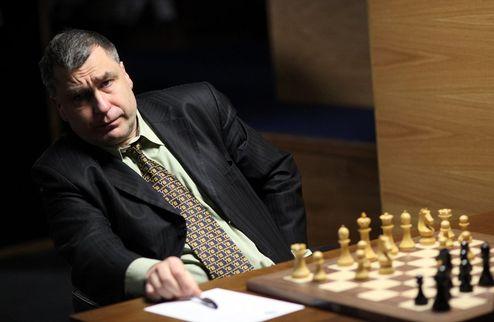 Шахматы. Турнир претендентов в Лондоне стартовал с ничьих