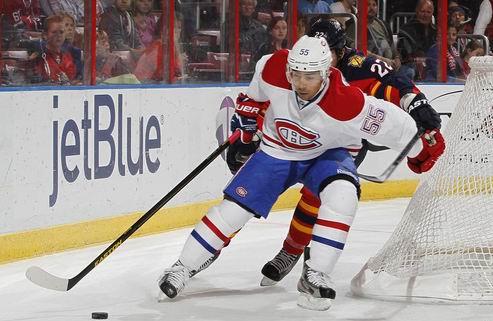 НХЛ. Монреаль: новый контракт защитника