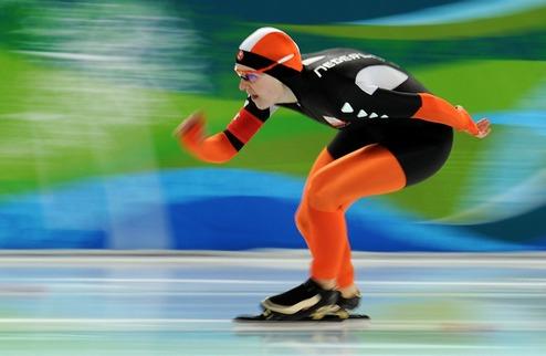 Конькобежный спорт. Сборная Нидерландов выиграла женскую командную гонку