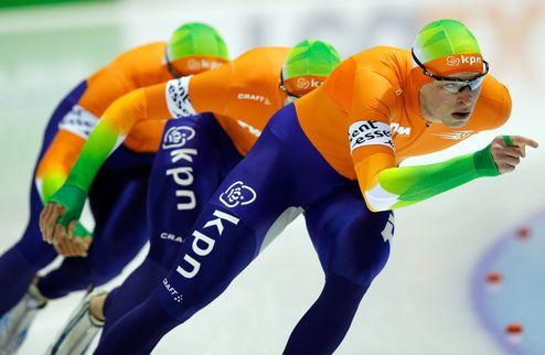 Конькобежный спорт. Нидерланды — первые в мужской командной гонке