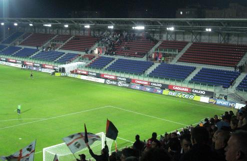 Владельцам сезонных абонементов не разрешили посетить матч Кальяри — Фиорентина