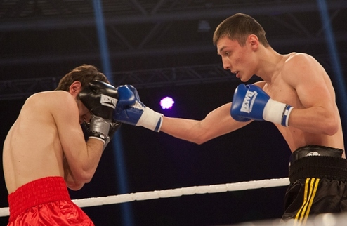 Ахундов и Ганык одержали убедительные победы в Киеве