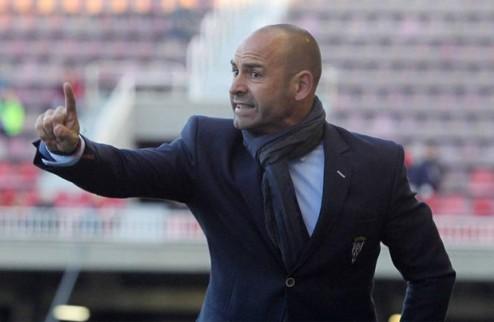 Валенсия и Малага интересуются тренером Райо Вальекано