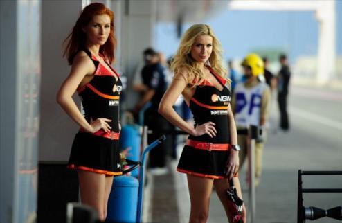 MotoGP. Страстные работницы питлейна в Катаре. ФОТО