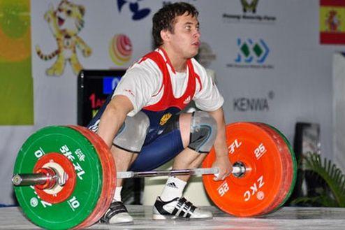 Тяжелая атлетика. Золото россиянина, бесславное выступление украинца