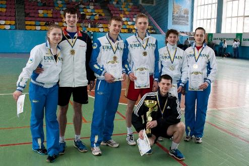 Харьковчане одержали победу на клубном чемпионате Украины по бадминтону