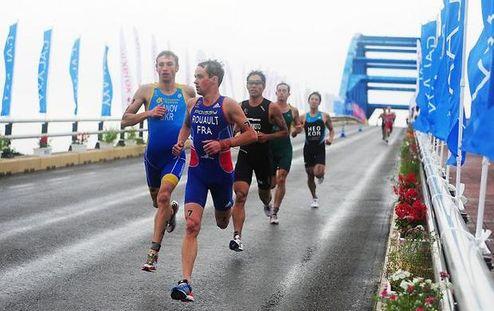 Триатлон. Иванов недалеко от призеров в Японии, Елистратова — далеко в Китае