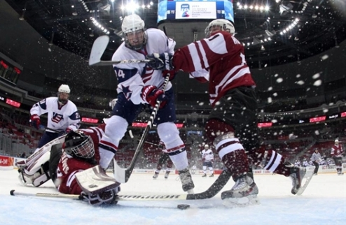 ЮЧМ. США сметают Латвию, Швеция справляется со Словакией