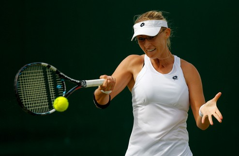 Штутгарт (WTA). Стартовые неудачи Весниной и Петкович, победа Лисицки
