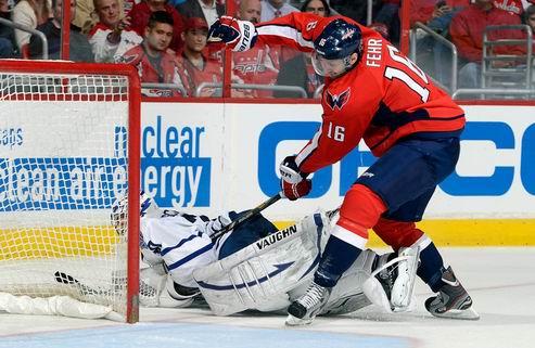 НХЛ. Вашингтон: новые контракты форвардов
