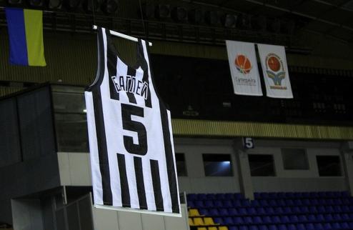 Будивельник увековечил память еще одной легенды клуба