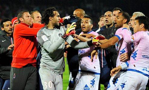 И французский футбол бывает брутальным + ВИДЕО