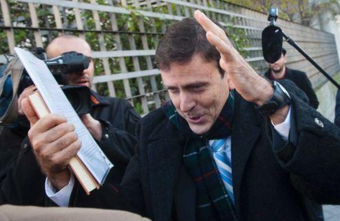 Фуэнтес приговорен к тюремному заключению, но имена его клиентов разглашены не будут