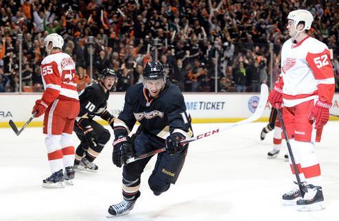 НХЛ. Стартовые успехи Сент-Луиса и Анахайма