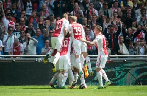 Аякс снова выиграл чемпионат Нидерландов