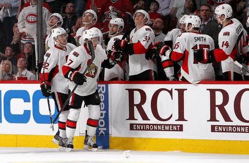 НХЛ. Оттава и Чикаго вышли во второй раунд, Питтсбург бьет Айлендерс