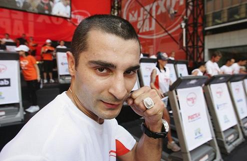 Дарчинян досрочно победил Галло