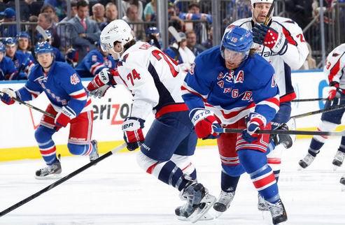 НХЛ. Седьмые матчи в Бостоне и Вашингтоне, Детройт выбивает Анахайм