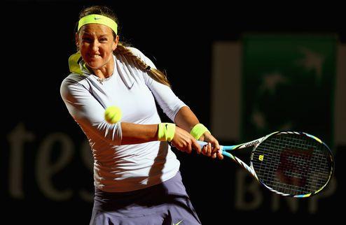 Рим (WTA). Азаренко проявляет характер и проходит Стосур