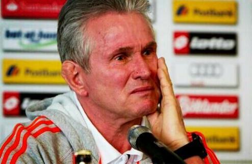 Хайнкес расплакался на своей последней пресс-конференции в Бундеслиге. ВИДЕО