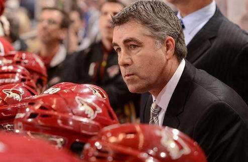 НХЛ. Финикс сражается за Типпетта