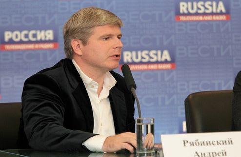 """Рябинский: """"Лебедев не собирается менять тренера"""""""