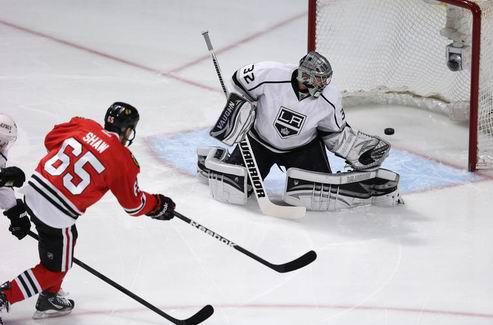 НХЛ. Ястребы разобрались с Квиком