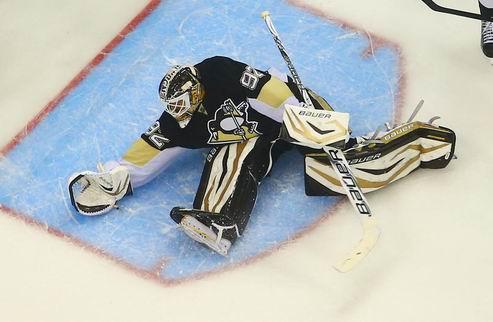 НХЛ. Питтсбург: Вокоун остается основным вратарем