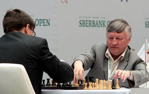Шахматы. В Киеве 10 гроссмейстеров бьются за 11 тысяч евро
