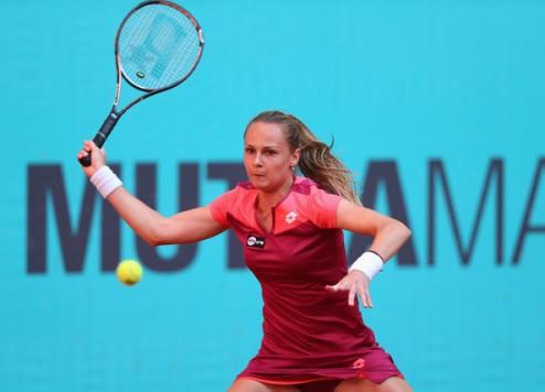 Бирмингем (WTA). Векич и Рыбарикова в полуфинале, Скьявоне с боями вылетает