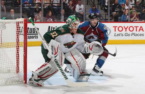 НХЛ. Миннесота начала переговоры с Бэкстремом