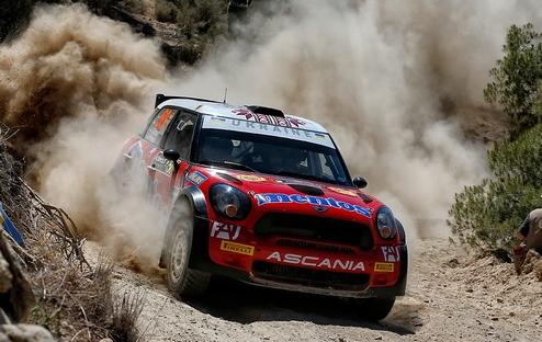 Mentos Ascania Racing стартует в Италии