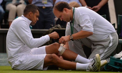 "Тсонга: ""Два дня назад заболело колено"""