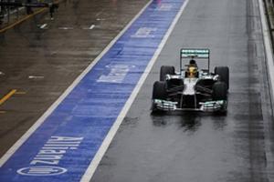 Формула-1. Хэмилтон предупрежден за опасный маневр
