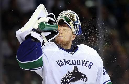 НХЛ. Ванкувер готов обменять Шнайдера