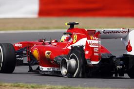 Формула-1. ФИА: шаг навстречу Пирелли